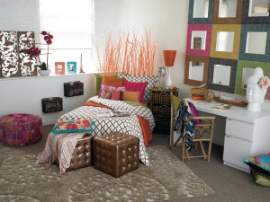 Photo from http://www.premedlife.com/1/post/2011/11/college-101-dorm-room-feng-shui-simple-ways-to-give-your-room-a-new-vibe.html